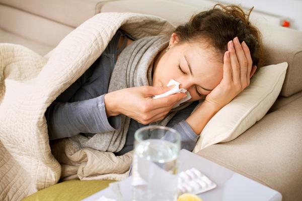 Chế độ ăn không đủ rau xanh cũng làmn hệ miễn dịch suy yếu, khiến bạn dễ ốm vặt.