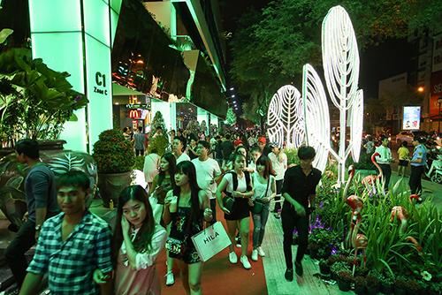 the-garden-mall-nhon-nhip-ngay-khai-truong-5