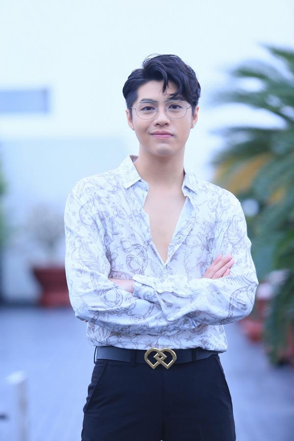 noo-phuoc-thinh-di-hat-khong-cong-1-thang-de-lam-liveshow