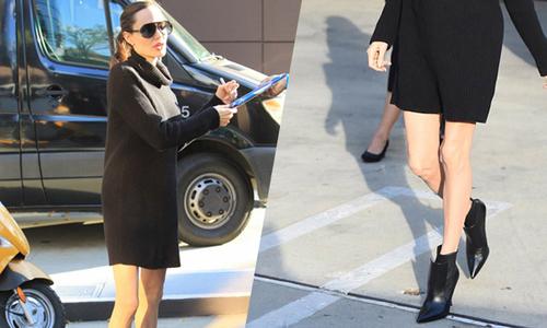 Angelina Jolie lộ đôi chân gầy guộc khi mặc váy ngắn