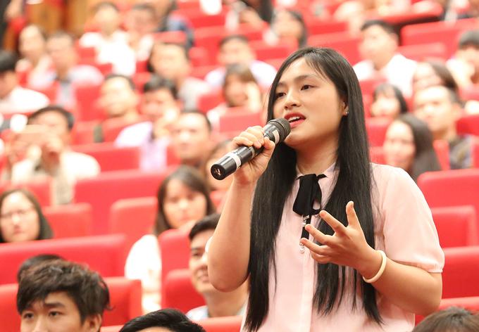 Cảm xúc của giới trẻ Việt trong buổi trò chuyện với Jack Ma