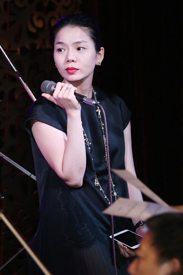 thu-phuong-mac-style-nhu-cach-day-20-nam-di-tap-hat-9