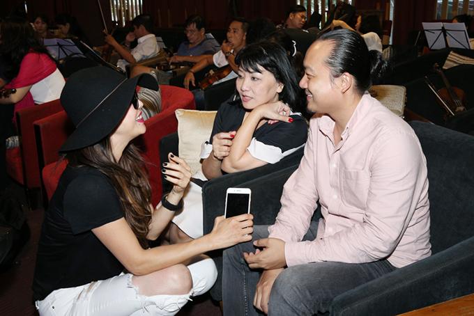 thu-phuong-mac-style-nhu-cach-day-20-nam-di-tap-hat-2