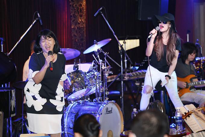 thu-phuong-mac-style-nhu-cach-day-20-nam-di-tap-hat-3