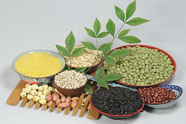Ngũ cốc giàu carbohydrate, chỉ thích hợp để ăn buổi sáng, không nên ăn vào buổi tối.