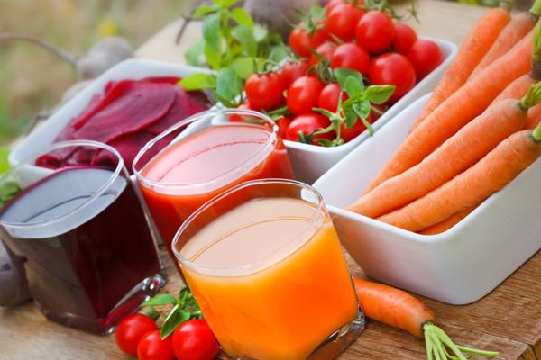 Các loại nước ép trái cây cũng không nên dùng sau 19 giờ vì nồng độ axit cao có thể gây hại cho dạ dày.