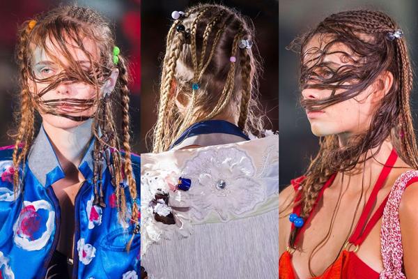 Vivienne Westwood mang đến sàn diễn xuân hè 2018 kiểu tóc khá khó hiểu. Giới mộ điệu tự hỏi