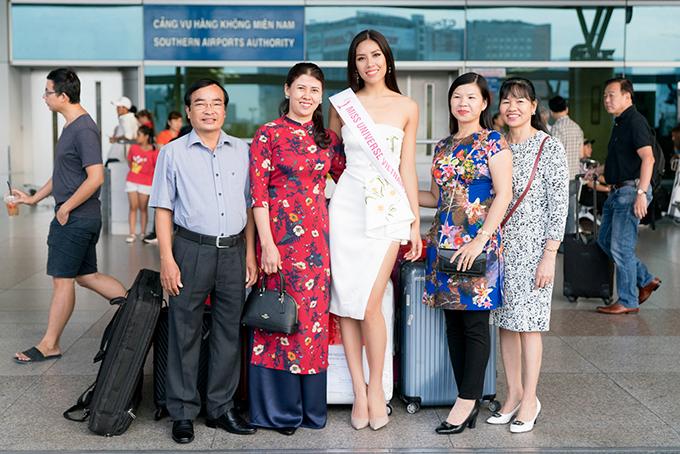nguyen-thi-loan-mang-6-vali-hanh-ly-nang-hon-200kg-di-thi-miss-universe-2017-8