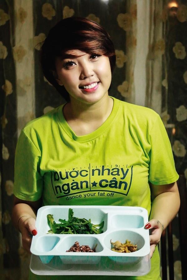 Thanh Huyền chỉ dám ăn 1/4 thực đơn mà bác sĩ dinh dưỡng đề ra.