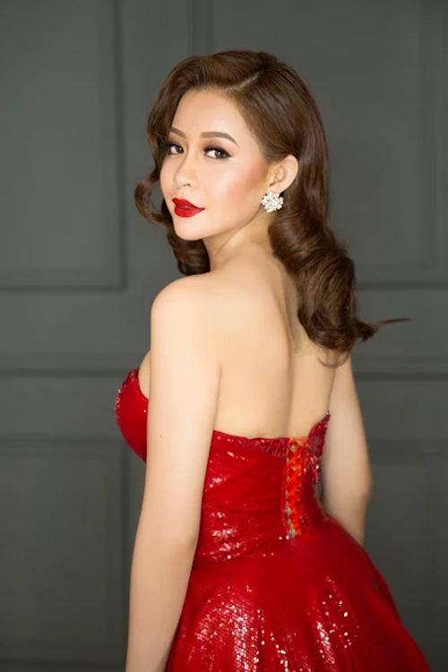 Người đẹp có phong cách thời trang đa dạng.