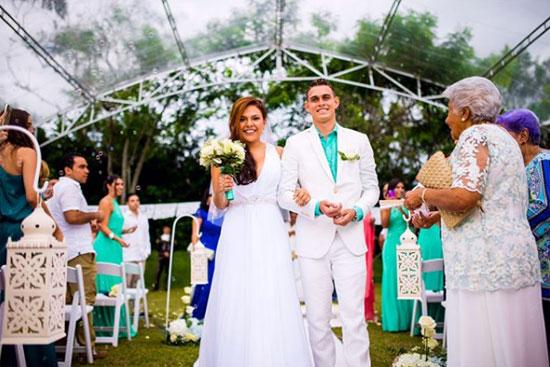 Rafael Santos Borre và cô vợ Anita trong ngày cưới.