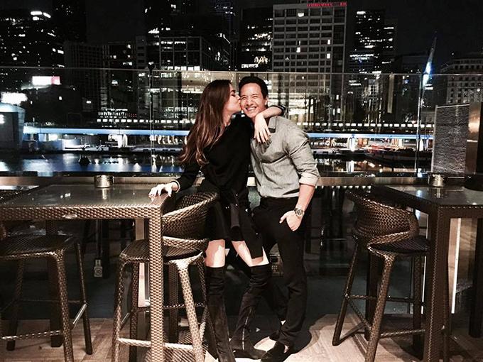 Hồ Ngọc Hà đăng ảnh hôn má để chúc mừng sinh nhật bạn trai Kim Lý.