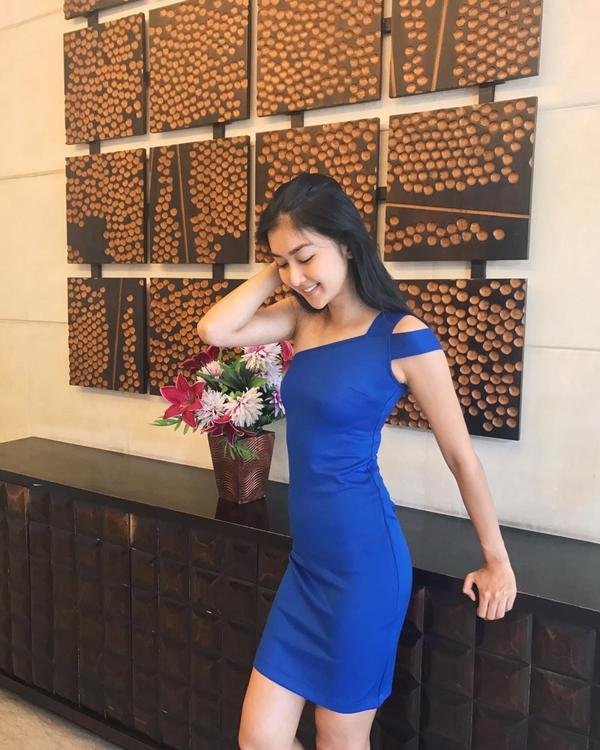 Tân Hoa hậu Quốc tế khoe vòng eo con kiến đáng ngưỡng mộ.