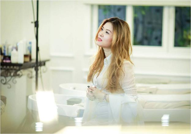 NTM tóc Minh Phương là người đứng sau hình ảnh mới lung linh của ca sĩ Ngọc Khuê.