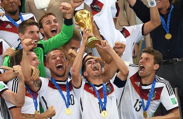 Tuyển Đức là nhà vô địch World Cup 2014 cũng là một trong 9 đội bóng góp mặt tại các vòng chung kết kể từ 1998.