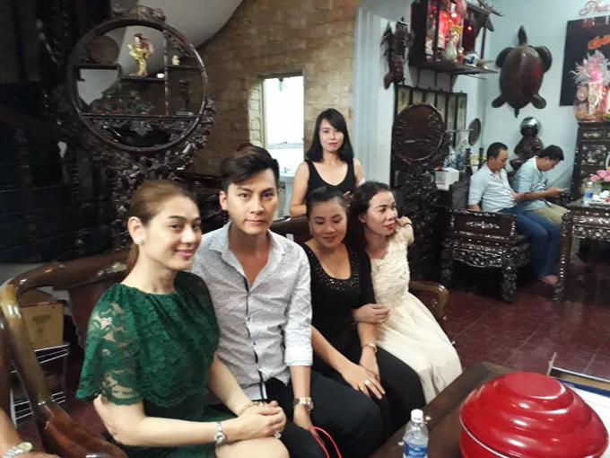 bo-me-chong-tuong-lai-sang-nha-lam-khanh-chi-hoi-cuoi-1