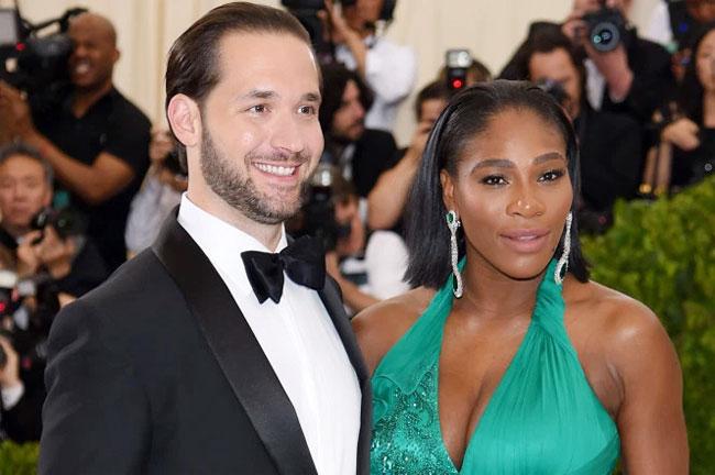 Serena và hôn phu tương lai giữ kín