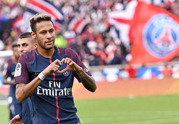 neymar-chia-se-cach-tranh-sa-nga-khi-la-cau-thu-giau-co-7