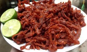 Cách làm thịt lợn giả bò khô bằng chảo