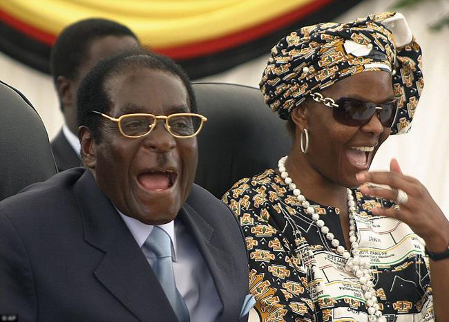 vo-tong-thong-zimbabwe-song-xa-hoa-mac-dan-ngheo-doi