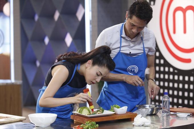 Mai Trang thắng tập 5 MasterChef sau khi không chọn Pha Lê là đồng đội