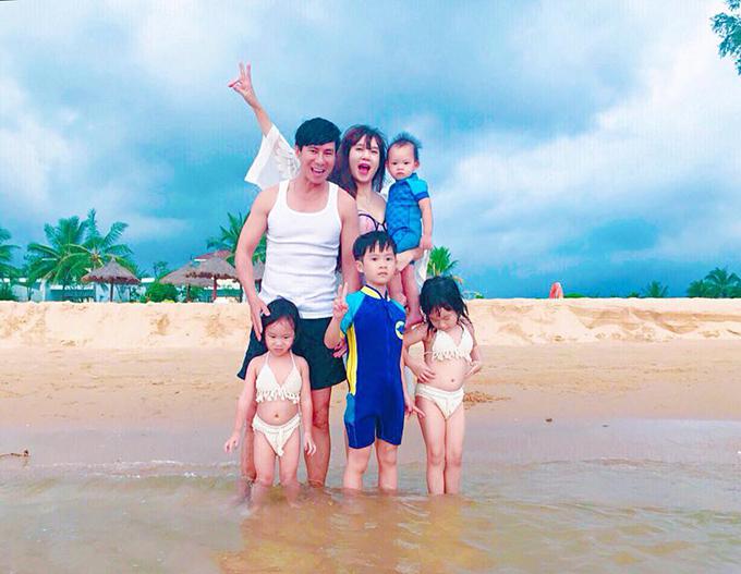 Gia đình được yêu thích nhất nhì showbiz - Lý Hải Minh Hà - kỷ niệm 7 năm ngày cưới.