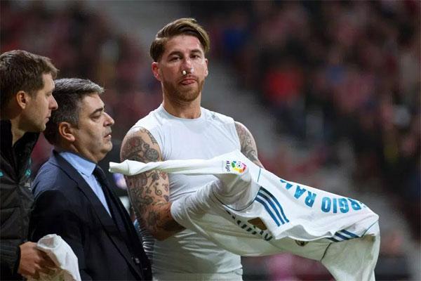 Ramos miễn cưỡng không thi đấu sau giờ nghĩ giữa hai hiệp