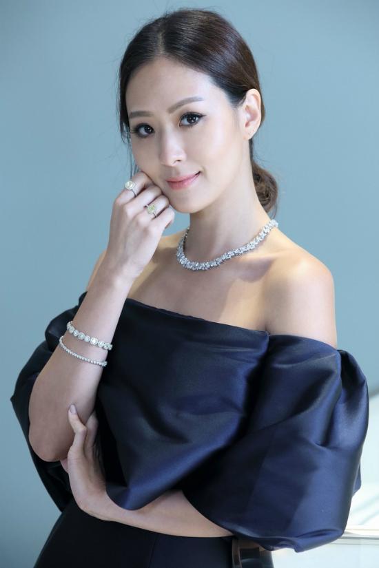 Người mẫu Đài Loan tuổi 40 trẻ như bạn của con gái