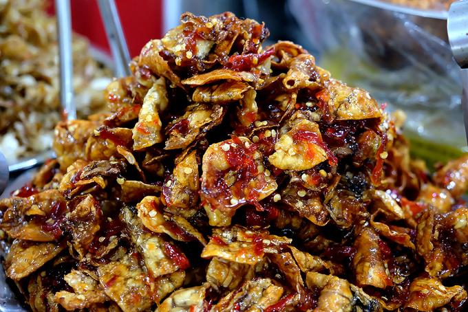 Đủ loại khô chợ Đầm kích thích vị giác du khách