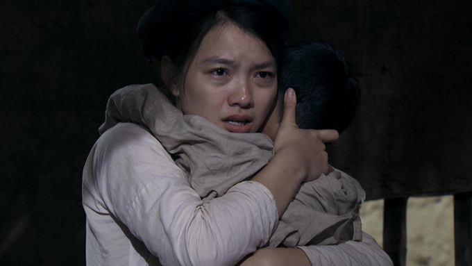 nu-chinh-thuong-nho-o-ai-tung-bi-dao-dien-mang-vi-len-lut-trang-diem-1