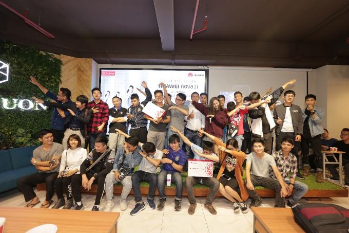 150 tín đồ công nghệ tham gia offline trải nghiệm Huawei nova 2i