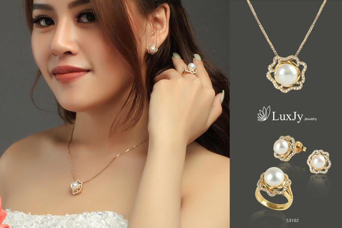 mua-ngoc-trai-tang-vang-9999-tai-luxjy-jewelry-2