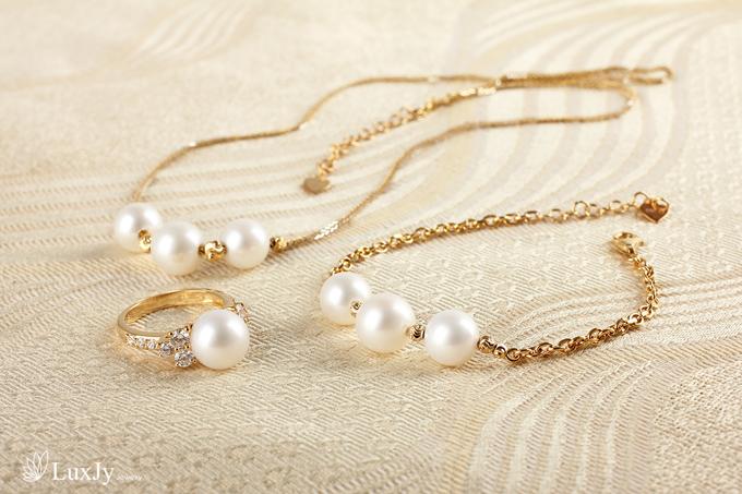 mua-ngoc-trai-tang-vang-9999-tai-luxjy-jewelry-3