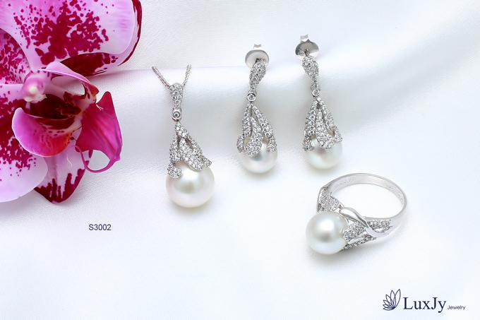 mua-ngoc-trai-tang-vang-9999-tai-luxjy-jewelry-4