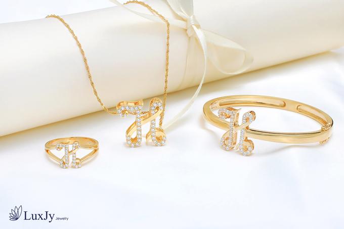 mua-ngoc-trai-tang-vang-9999-tai-luxjy-jewelry-6