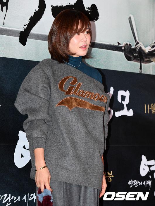 song-seung-hun-vui-ve-di-xem-phim-giua-tin-don-tinh-cam-voi-diec-phi-tan-vo-4
