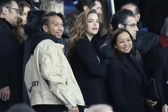 neymar-hut-loat-sao-hollywood-den-san-o-paris