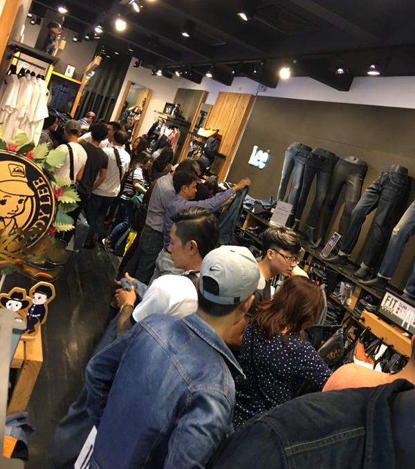 lee-jeans-uu-dai-50-dip-black-friday