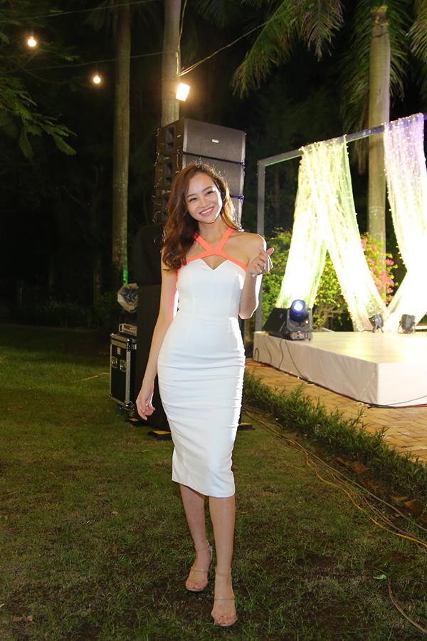 Hoa hậu - MC Kiều Ngân.