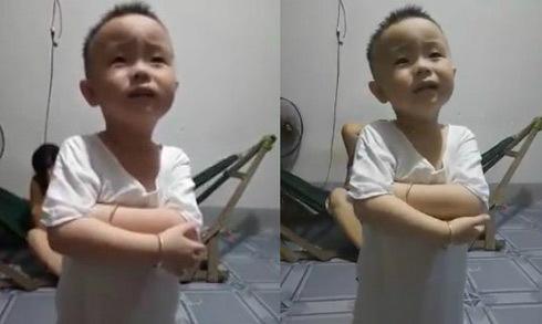 Cậu bé 3 tuổi lý luận để ba không phạt đòn