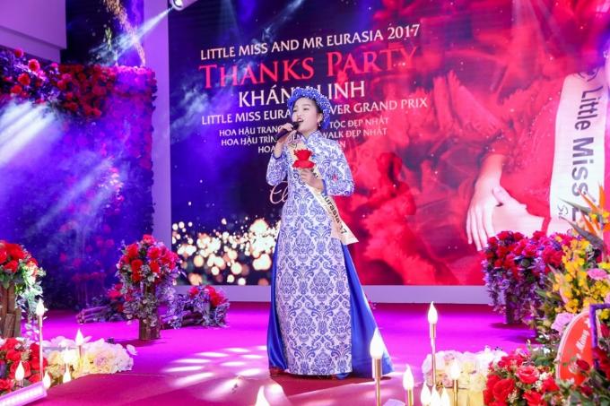 be-nguyen-khanh-linh-doat-a-hau-1-tai-hoa-hau-nhi-a-au-2017-8