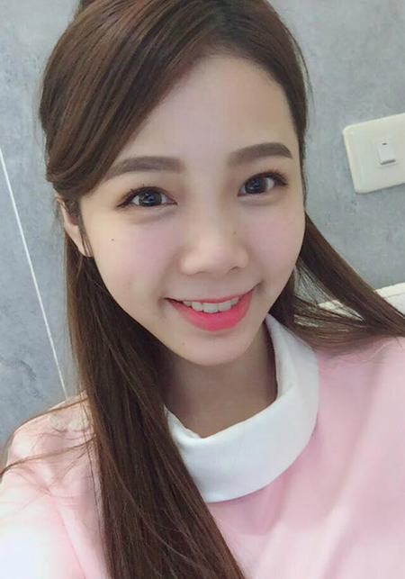 Ngay khi nhìn thấy hình cô y tá xinh đẹp, nhiều chàng trai đã kéo đến phòng khám nơi Ning làm việc, xin được làm răng nhưng mục đích chính là để được trò chuyện với cô. Nhiều người còn cho rằng Ning là nữ y tá nha khoa đẹp nhất thế giới.