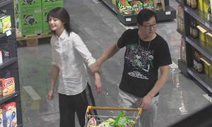'Nàng Cỏ' Trịnh Sảng lăng xăng như trẻ con khi đi siêu thị với bố
