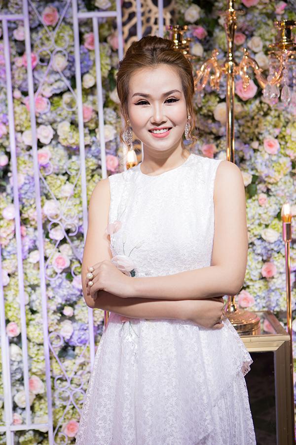 ly-phuong-chau-duoc-nguoi-yeu-moi-thap-tung-di-su-kien-5