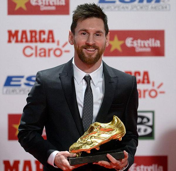 Ờ mùa giải vừa qua, Messi có 37 bàn thắng
