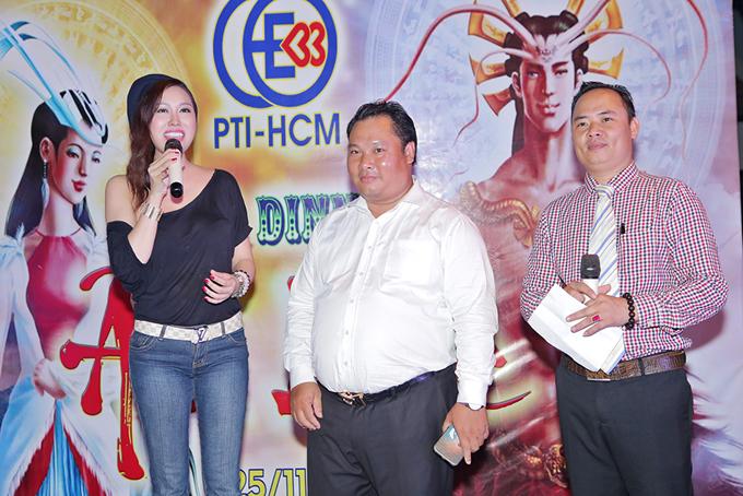 phi-thanh-van-mac-ao-lech-vai-khoe-nguc-khung-nho-dao-keo-6
