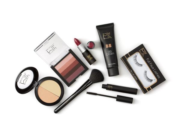 Simply Me Beauty hiện được bày bán trong một số cửa hàng tại Mỹ và sẽ nhanh chóng có mặt trên các cửa hàng toàn cầu của chuỗi siêu thị này.