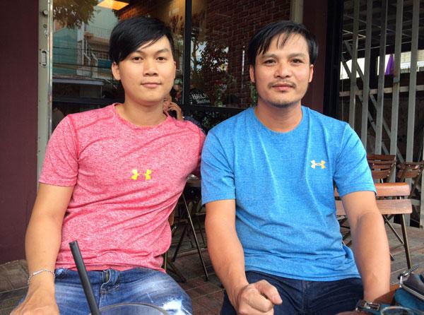 he-lo-hai-nguoi-ban-than-cung-cong-phuong-mo-quan-cafe-sach