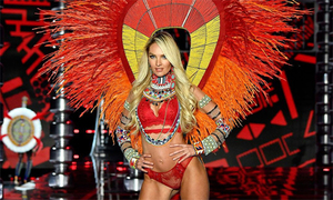 Màn trình diễn lộng lẫy nhất của show Victoria's Secret