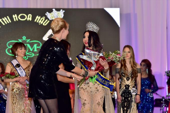 nu-doanh-nhan-viet-gianh-vuong-mien-ms-golden-world-beauty-pageant-2017-1